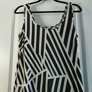 Black and White Geometric Maxi Dress